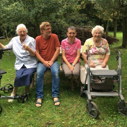 dagopvang gastouderopvang kinderen opvang ouderen theetuin koewacht terras zorg