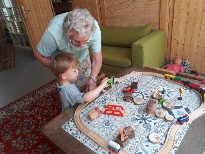 Gastouderopvang kinderen opvang theetuin koewacht terras zorg